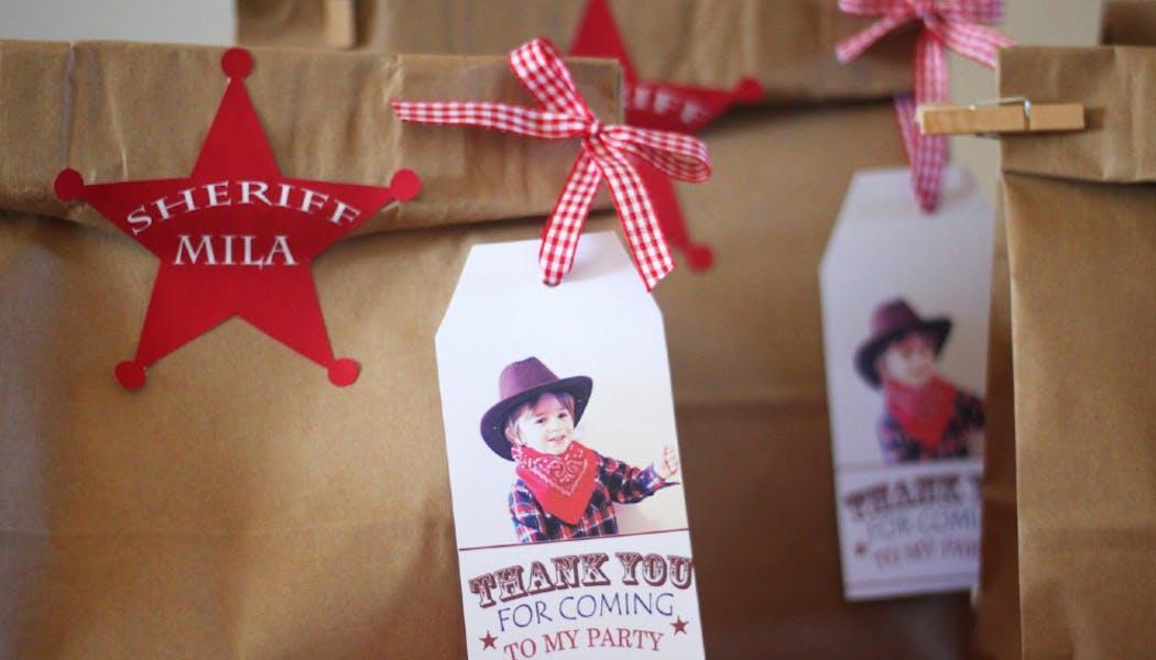 Des pochettes cadeaux pour mini shérif