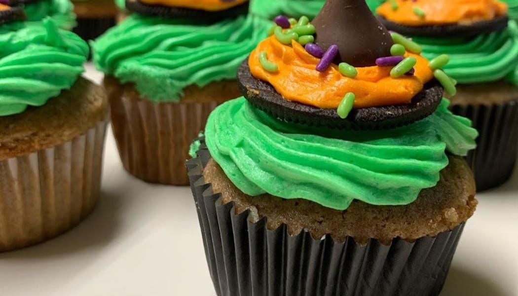 Cupcakes en forme de chapeaux de sorcières