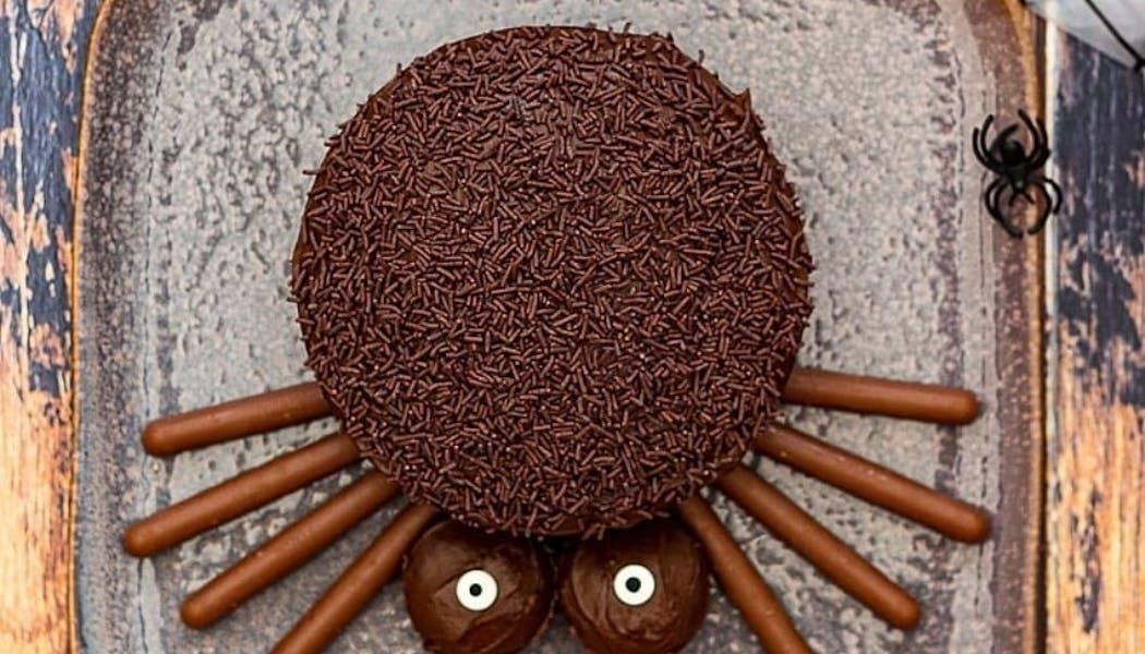 Gâteau araignée aux poires et au chocolat