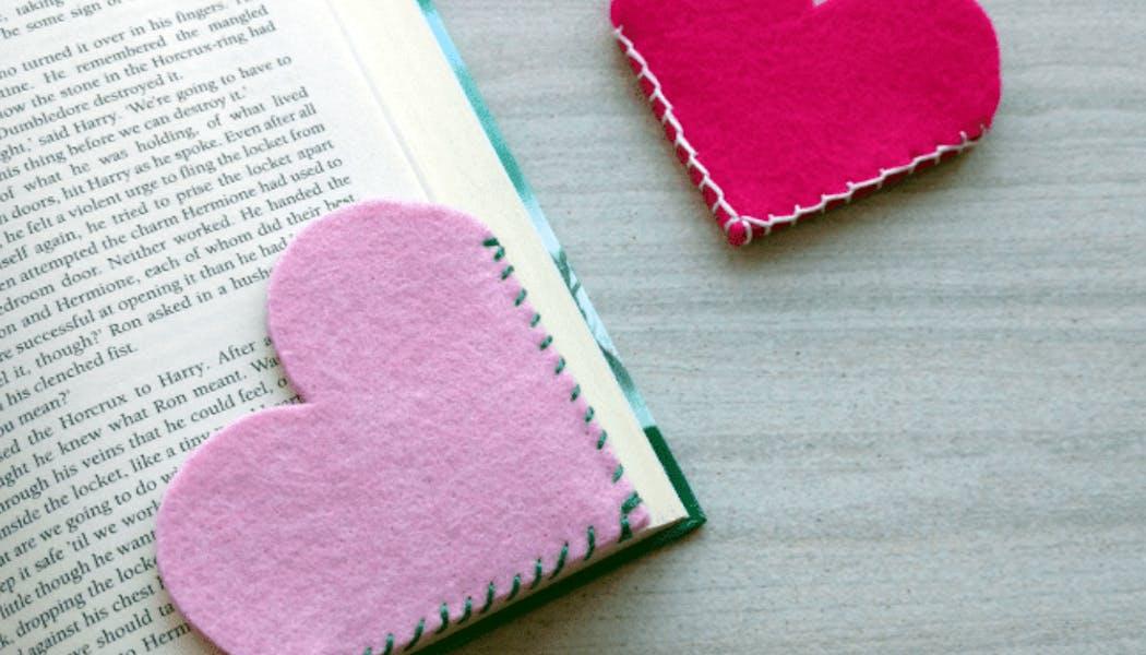 Des marque-pages en forme de cœur