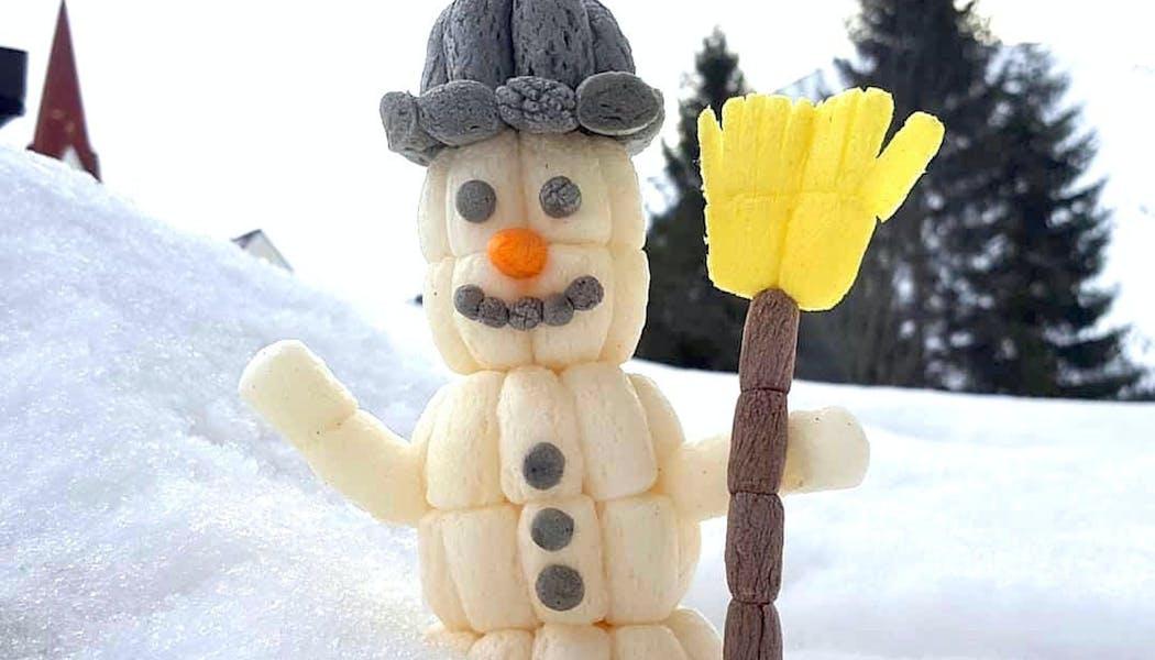 un bonhomme de neige en Playmaïs