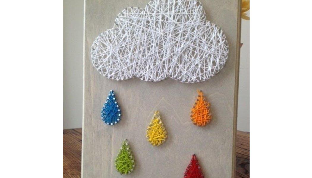 un nuage et la pluie en string art