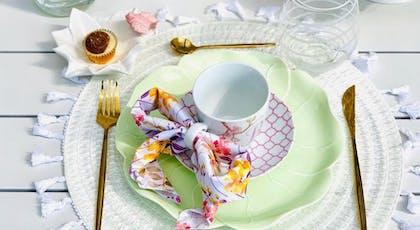 Pliage de serviette en nœud papillon