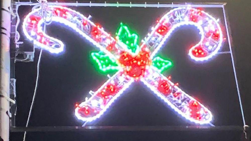 cannes de sucre d'orge illuminations de Noël dessins d'enfants de Newburgh en Écosse