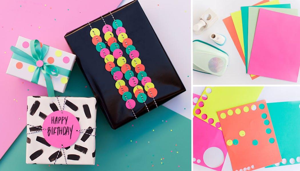 Des papiers cadeaux customisés avec des pois de couleurs
