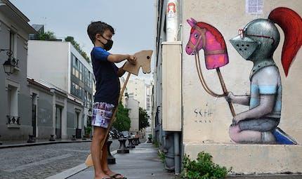 Les petits chevaliers de Seth Globepainter envahissent les murs de Paris