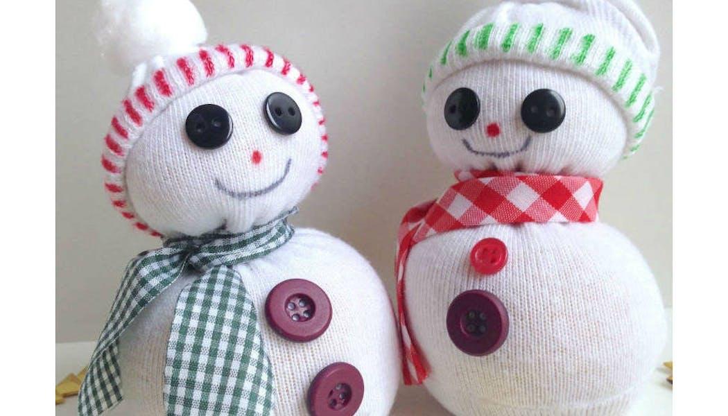Bonhommes de neige nés de chaussettes