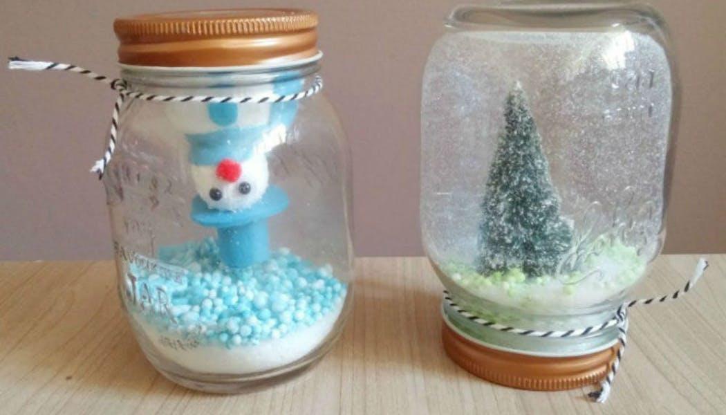Boules à neige, : le combo sapin et bonhomme de       neige