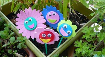 Bricolage : des fleurs pour jardinières