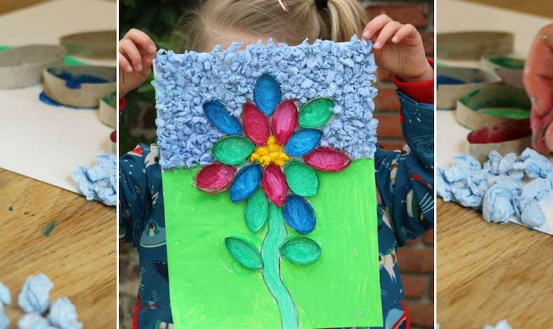 Bricolage : fleur colorée en rouleau de papier       toilette