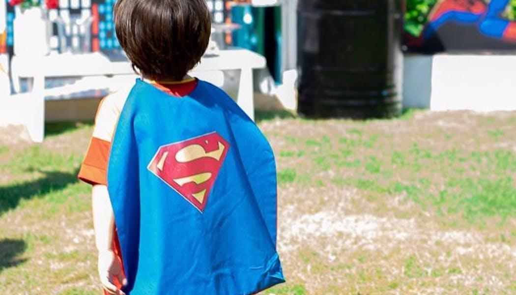 Capes pour super héros en herbe