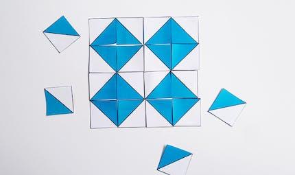Le jeu des carrés bicolores