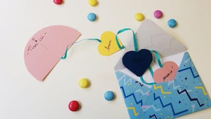 Carte ruban de cœurs