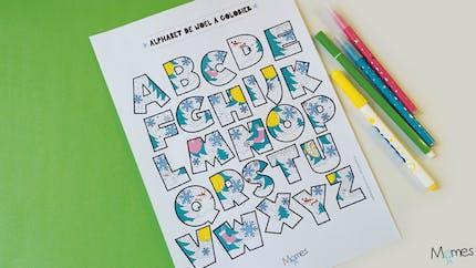Coloriage Alphabet de Noël à imprimer