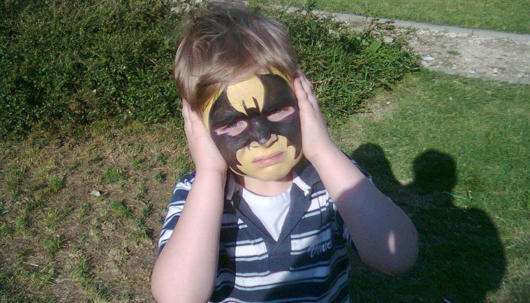 Comment réaliser un maquillage Batman pour les enfants