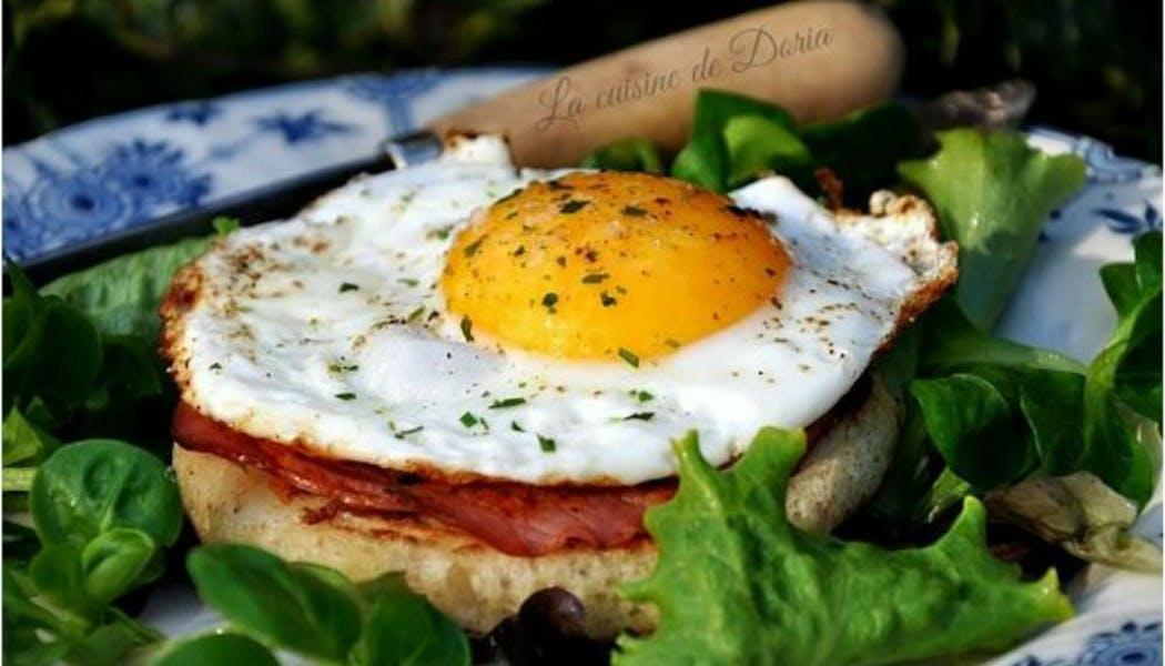 Crumpets au bacon et œuf
