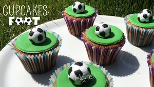 Cupcakes Football