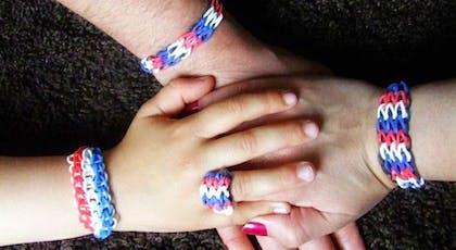 Des bracelets tricolores