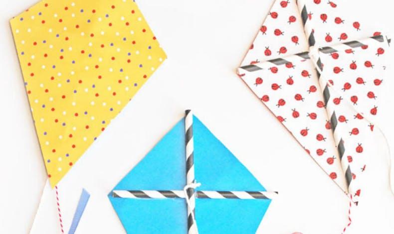 Des cerf-volants en papier