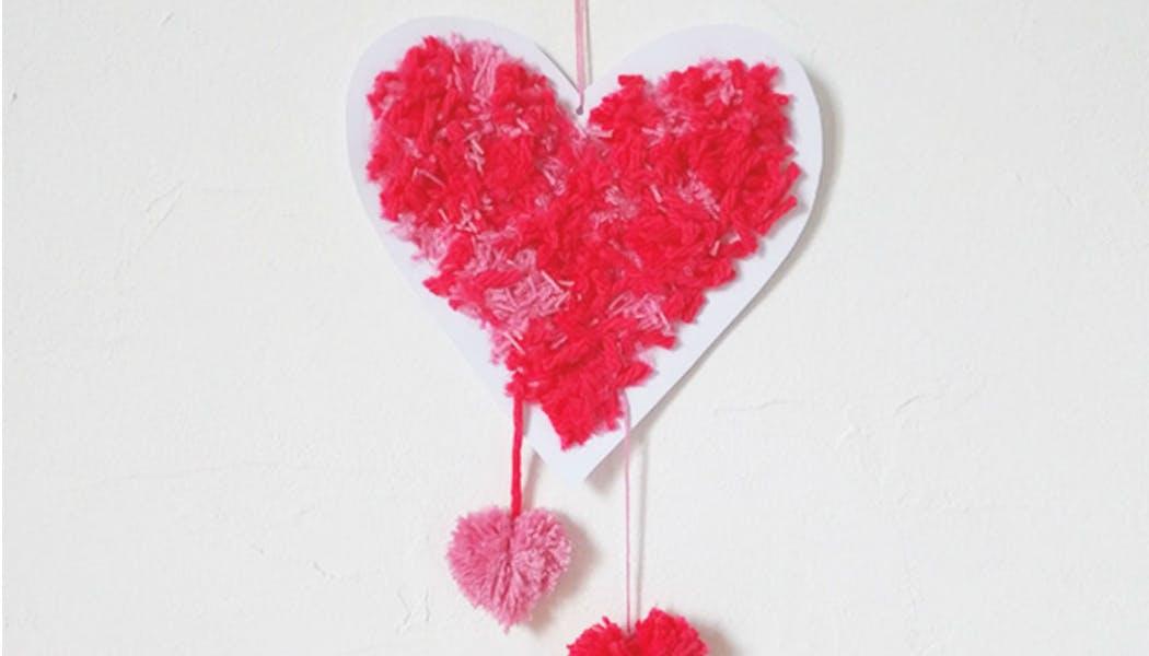 Des pompons en forme de cœur