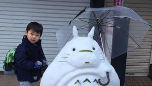 Des sculptures de neige complètement craquantes dans les rues au Japon