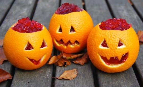Mousse au chocolat d'Halloween à la tête de citrouille
