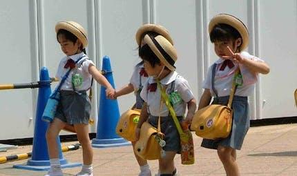 Les p'tits écoliers au Japon