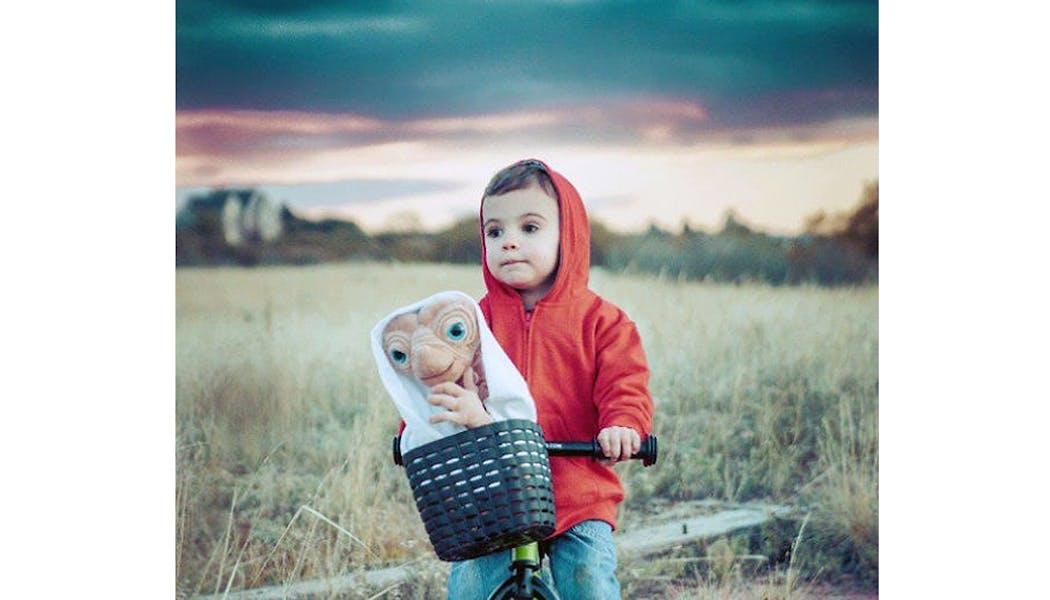 Eliot et E.T. l'extraterrestre déguisements costume         Halloween enfants
