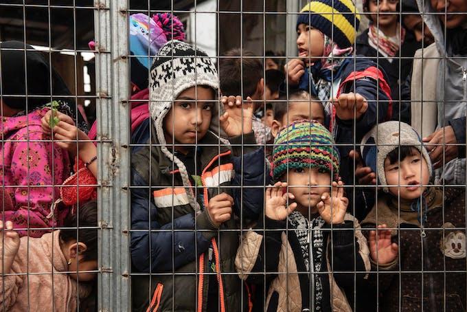 Enfants dans un campement de réfugiés