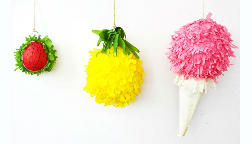 Énormes piñatas pleines de bonbons