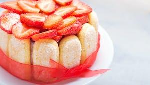 Gâteau Bonne fête Môman aux fraises Charlotte