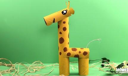 Girafe en rouleaux cartonnés