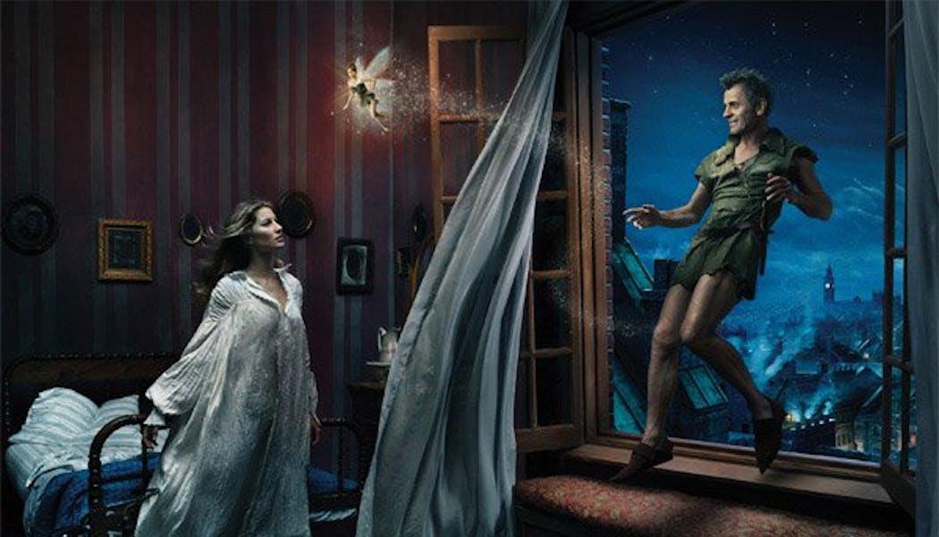 Gisèle Bundchen et Mikhail Baryshnikov (Wendy et Peter       dans Peter Pan)