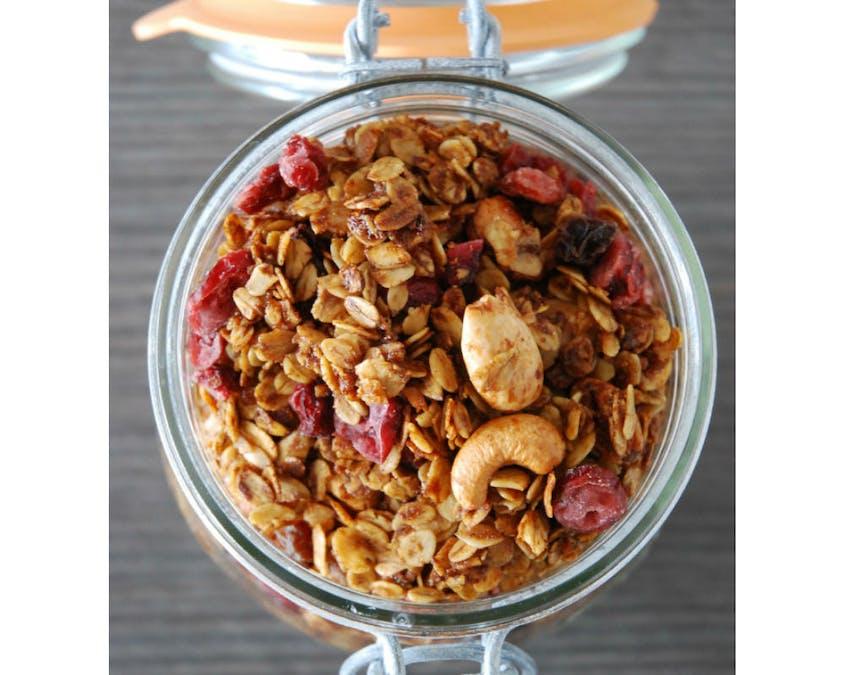Granola aux raisons secs et cranberries