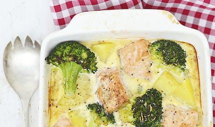 Gratin de pommes de terre au saumon et brocolis