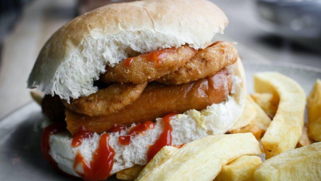 Hamburger maison à la saucisse, un recette express