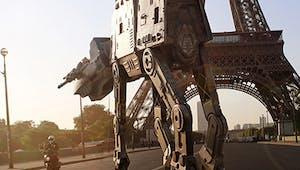 Il transpose Star Wars en plein Paris