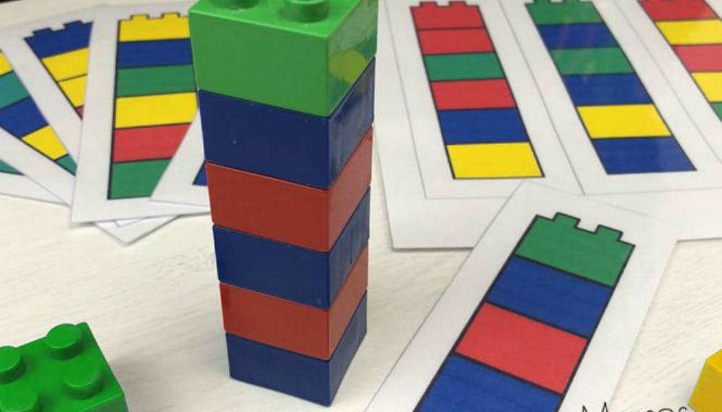 Inspiration Montessori : briques et couleurs