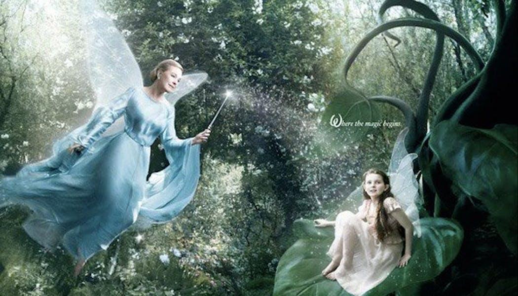 Julie Andrews (la Fée Bleue dans Pinocchio)