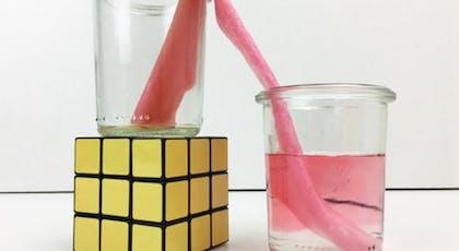 L'eau qui change de verre toute seule