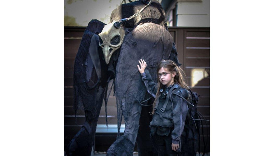 bête et sa petite maîtresse déguisements costume         Halloween enfants