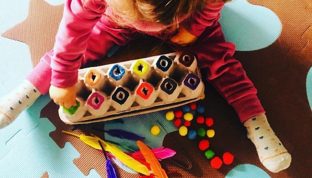 La boîte des couleurs, un jeu d'inspiration       Montessori