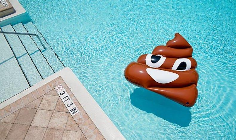 la bouée emoji caca !