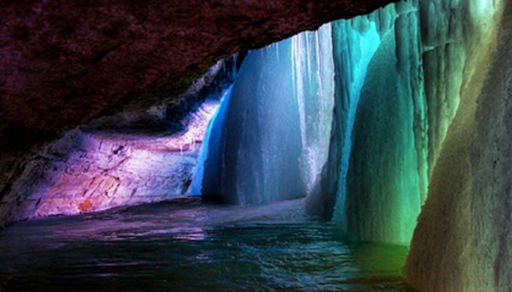 La grotte aux mille couleurs