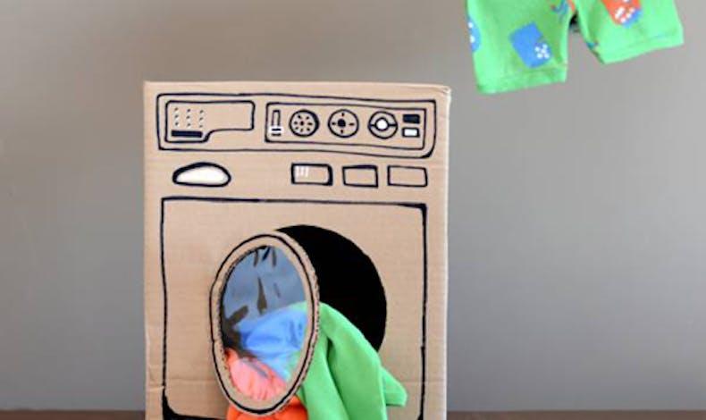 La machine à laver en carton