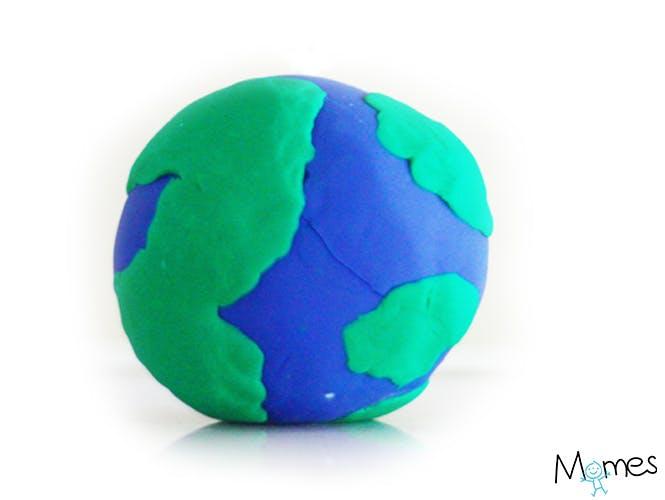 La planète Terre en pâte à modeler