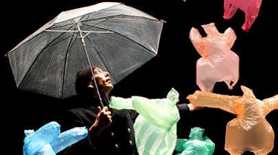 ballet sacs plastiques l'après-midi d'un foehn