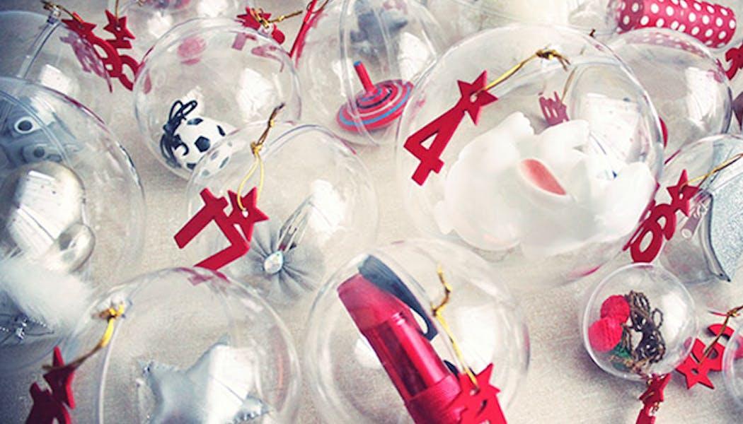Le calendrier de l'Avent avec des bulles