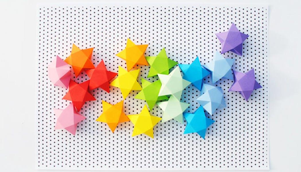 Le calendrier de l'Avent en étoiles de papier