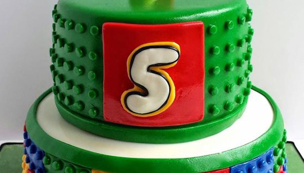 Le gâteau bougie Lego